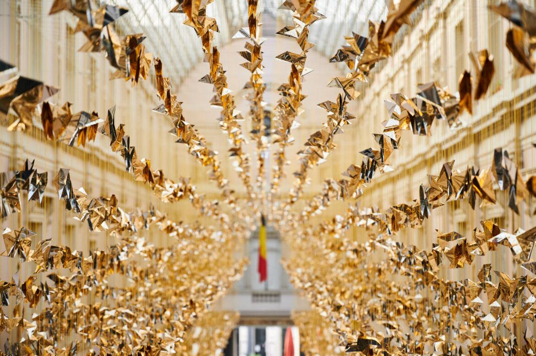 Charles Kaisin invade Bruxelles con migliaia di origami solidali