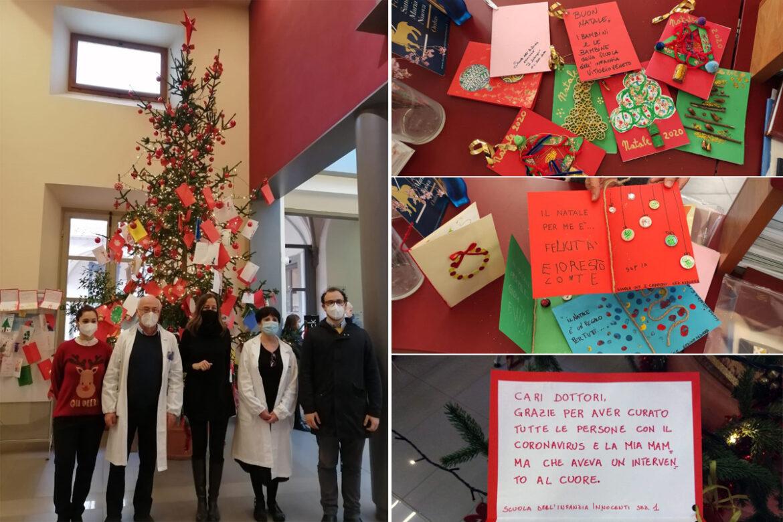 L'albero di Natale dell'ospedale di Santa Maria Nuova decorato dai biglietti dei bambini