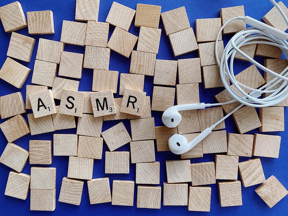 L'ASMR: una nuova frontiera del relax online